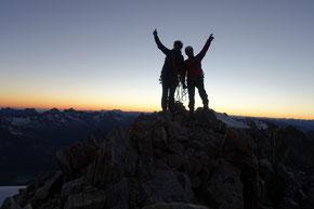 kurz vor dem Sonnenaufgang auf dem Gipfel des Tierberg