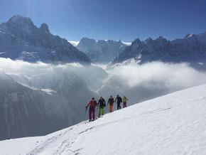 Aufstieg zum Col de Beugeant, hinten «Aiguilles de Chamonix»