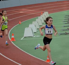 ...bemerkenswertes Comeback...:-) Juli gewinnt ihren Zeitvorlauf über 800 Meter