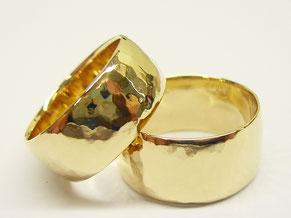 Hochwertige Eheringe aus Gold