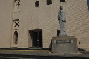 聖堂の右側にはガラシャの像が