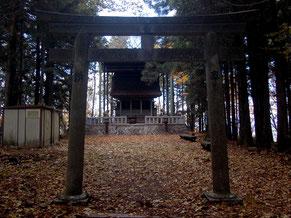 ここが笠置山の頂上、1128m地点にある笠置神社