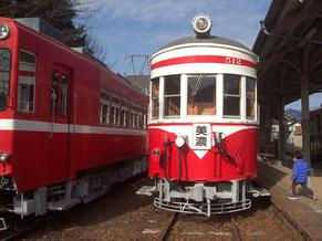 旧名鉄美濃駅に展示されているモ510形512号