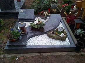 Urnengrab Exzellent