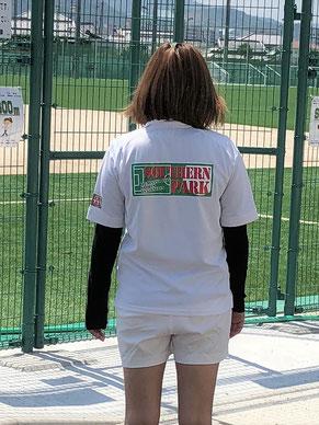オリジナルポロシャツ着用画像 ロゴプリントver2