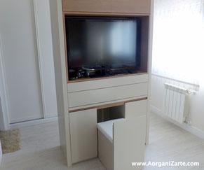 Hazte un mueble para guardar tus accesorios en la habitación - AorganiZarte