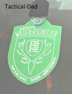 Die Wildtierschützer in Baden-Württemberg haben keine Befugnisse mehr. Hier seht ihr ein Schild für das Auto.
