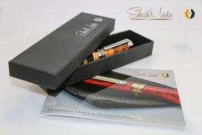So werden SchreibMeister® Stifte ausgeliefert, inkl. unserer Broschüre