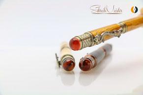 Handgemachter Drachen Stift aus Holz