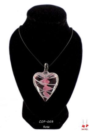 Collier à pendentif coeur en verre transparent et rose
