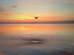 zonsopkomst markermeer met drone skeyeone