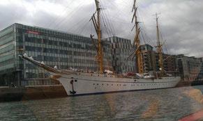 Gorsch fog in Dublin gesichtet. Ein beeindruckendes, geschichtsträchtliches Schiff