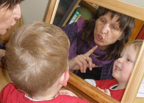 Kommunikation, Sprache, Sprechen, Schlucken für Kinder