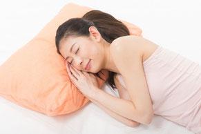 寝返りがうてないのは腰が原因ではなく肩甲骨の痛み