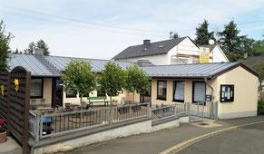 Manderscheid, Kirchstraße 12, Begegnungsstätte, Haus und Hof, Terrasse
