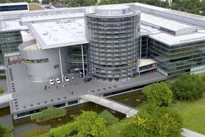 Flightseeing Volkswagen Gläserne Manufaktur Imagefilm