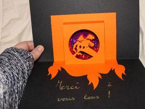 Image d'aperçu du tutoriel d'une carte pop-up kirigami fenêtre d'un dragon (gabarits et pas à pas)