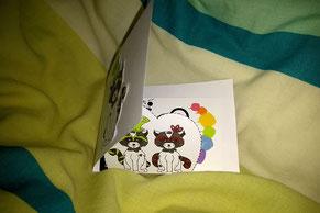 Image d'aperçu du DIY d'une carte à rabats simples sur le thème des ratons laveurs