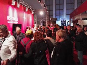 tausende Messe-Besucher nutzten die Möglichkeit zur Information