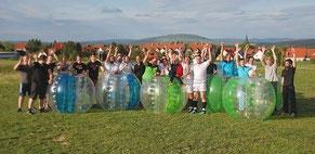Bubble Soccer mieten in Frankfurt Wiesbaden Offenbach Bumper Ball Fußball Football spielen Azubi Event