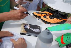 Autogrammstunde fussballprofi Fussball Eventmodule Torwand Sandra Minnert Hessen Frankfurt