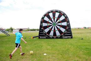 Fußball Dart Teamevent Fußballdart Dartscheibe Klett aufblasbar Soccer Dart Foot Darts