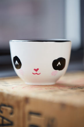 Isabelle, Serif & Glyph, tasse, panda, chat, chandelle, ludique, minimaliste