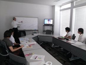 9階会議室にてご説明いただきました。テレビ局の仕事についての映像は担当の方が作られたそうです。