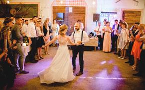 Die rustikale Hochzeitslocation für die rustikal moderne Scheunenhochzeit - auch für große Hochzeitsgesellschaften mit bis zu 120 Personen