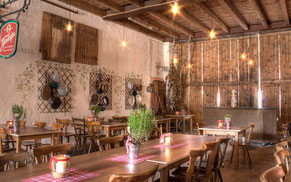 Geburtstage, Taufen, Familienfeiern oder Tanzveranstaltungen. Zwick's Eventscheune ist die perfekte Feierlocation für Ihre private Feier in Schwabach und der Metropolregion Nürnberg