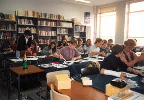 ベルギー国立ヘント大学での書道講義風景