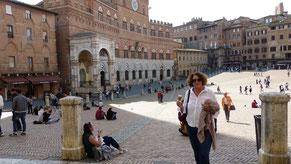 """Auf dem """"Campo"""" in Siena"""