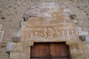 フォンティーヌ教会のタンパン