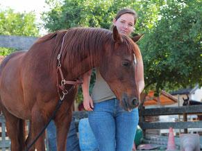 Therapeutin am Pferd, Pferdeosteopathie, Rani Tiertherapie, Rani Pauly