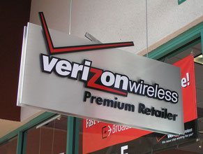 Verizon Projecting Sign