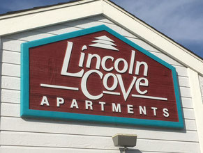 Lincoln Cove Wood Sign