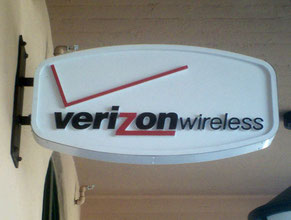 Verizon 3 Projecting Sign
