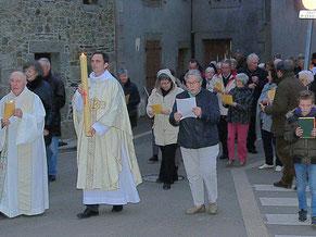 3-Le retour en procession vers l'église St Pierre
