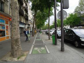 ②フランスの歩道 自転車走行との区分