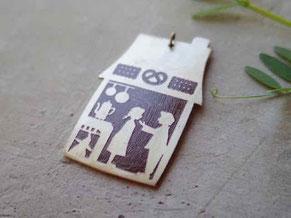 ヘンゼルとグレーテル 真ちゅう ペンダントトップHänsel und Gretel design©Marguerite Label  JAPAN 京都手づくり市 岐阜サンデービルディングマーケットなどで限定販売します。