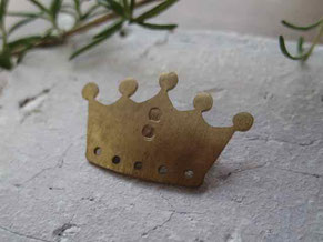 京都手づくり市 真鍮ブローチ 王様の王冠ブローチ