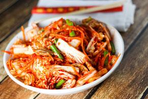 Kimchi  Eingelegter scharfer  Chinakohlsalat