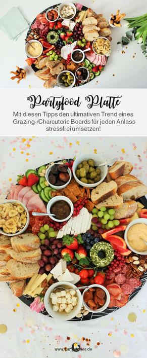 Bild: Partyfood Trend Charcuterie Board & Grazing Platter - mit diesen Tipps & Ideen die ultimative (kalte) Partysnack Platte für jeden Anlass umsetzen! // gefunden auf dem DIY Kreativblog www.partystories.de // #partyfood #mottoparty #kalteplatte