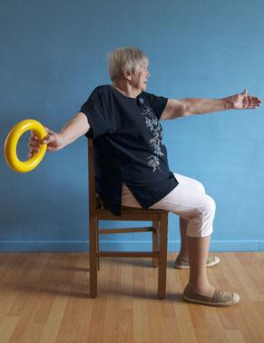 Exercice  haut du corps sur chaise