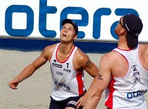 Beachvolleyball Spielaufbau vom Mischa Urbatzka und Jonas Reckermann