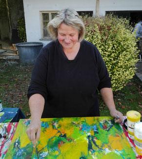 Malerin, KünstlerIn, artist at work, bei der Arbeit, gelb, yellow,  pleinair,