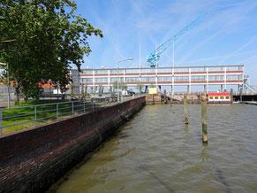 Steubenhöft im Hafen von Cuxhaven