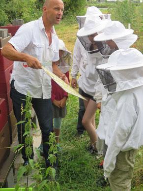 DEUS IN MINIMIS MAXIMUS! - Bienenfest in Wißmar - Kath. Pfarrei St. Anna Biebertal