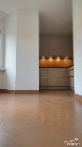 Küche Zürich mit fugenloser Boden/Wand-Beschichtung - Wunderbares Handwerk