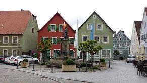 Marktplatz mit Wolframs-Denkmal, Wolframs-Eschenbach